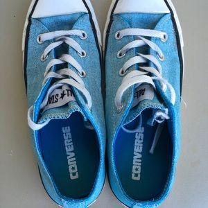 Converse Sz 6 women's, turquoise denim